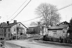 Kuvien sijaintia on vaikea uskoa: Lumottu kaupunginosa, jota ei enää ole Helsinki, Car Ins, Barn, Street View, 1950s, Children, Sports, Historia, Young Children
