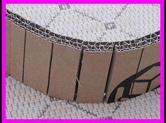 Cintrer du carton : le cintrage sur un tube ne donne pas un résultat bien esthétique. Donc inciser le carton tout les 1 cm côté face cachée en prenant soin de ne pas couper la feuille du dessus Cardboard Design, Cardboard Paper, Cardboard Furniture, Cardboard Crafts, Contemporary Lamp Shades, Lampshade Redo, Carton Design, Diy Storage Boxes, Cardboard Sculpture