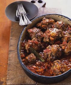 Try Spanish-Style Oxtails Braised with Chorizo! You'll just need 6 lb to… Try Spanish-Style Oxtails Braised with Chorizo! You'll just need 6 lb to meaty oxtails, 1 teaspoons salt, 1 teaspoon black pepper, Oxtail Recipes, Chorizo Recipes, Meat Recipes, Mexican Food Recipes, Food Processor Recipes, Cooking Recipes, Ethnic Recipes, Dinner Recipes, Cooking Corn