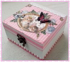 Crafts To Do, Paper Crafts, Decoupage Furniture, Pretty Box, Altered Boxes, Jewellery Boxes, Craft Projects, Decorative Boxes, Shabby Chic