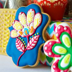 Bright & Colorful Flower Fiesta Party #customcookies #thebakedequation