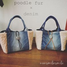 sold out!!!? sold out! ♡ ・ ・ Poodle fur tote bag 2 points completed︎ About 30 x 17 x gusset Back pocket is rodeo ・ I will give you these two points! Diy Sac Pochette, Blue Jean Purses, Denim Handbags, Denim Purse, Denim Crafts, Simple Bags, Kids Bags, Handmade Bags, Purses And Bags