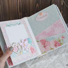 Scrapbooking Album, Mini Scrapbook Albums, Baby Scrapbook, Scrapbook Pages, Diy Crafts For Girls, Hobbies And Crafts, Mini Albums, Baby Mini Album, Bookbinding Tutorial