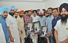 Putting Aam Admi Party on mat in its own style, Student Organisation of India today launched an audio-video track #Lalkar in a befitting reply to sung by one of the AAP leaders. Party President Mr. Sukhbir Singh Badal today released this track sung by Mr. Meetpal Singh Dugri, SOI president of Malwa zone-3 in the presence of Mr. Parmbans Singh Bunty Romana, state coordinator of SOI and several other SOI leaders. #SOI  #akalidal