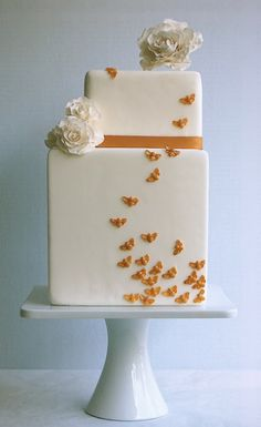 Orange Bee Wedding Cake - Love this!  Would be lovely for a summer or autumn themed wedding.