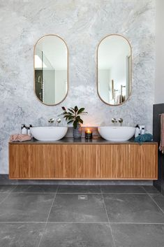 Rich timber double vanity with a grey and white colour scheme. Interior Color Schemes, Gray Interior, Bathroom Interior Design, Colour Schemes, Timber Vanity, Shower Taps, Guest Bathrooms, Bathroom Ideas, Shower Screen