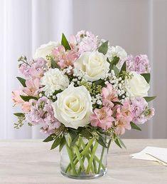 Lilac Wedding Flowers, 800 Flowers, Wedding Table Flowers, Pink And White Flowers, White Roses, Wedding Bouquets, Pink Flower Centerpieces, Pink Flower Arrangements, Wedding Table Centerpieces