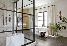 That shower! 🤩