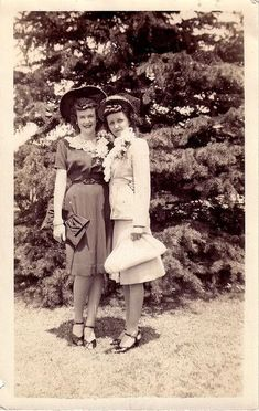 5 Dress Styles That Will Make You Look Thinner – Shopping Fashion 1940s Fashion, Vintage Fashion, Women's Fashion, Street Fashion, Fashion Ideas, Fashion Bags, School Fashion, Fashion Jewelry, Photo Vintage