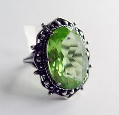Love this vintage cocktail ring