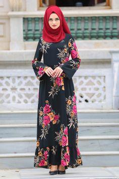 2018/2019 Yeni Sezon Günlük Elbise Koleksiyonu - Neva Style - Belden Büzgülü Siyah Tesettür Elbise 17549S  #tesetturisland #tesettur #tesetturelbise #tesetturgiyim #tesetturbutik #kombin #moda #trend #hijab #hijabfashion #2018 #2019 #gençelbise #sadeabiye #pelerinlielbise #mezuniyet #mezuniyet kıyafetleri #mezuniyetelbiseleri #davet #dügün #nisan #nisanlik #tafta #dantel  #şifon #krep #salaş #büyükbeden #balıkelbise #kabarıkelbise #sözelbiseleri  #güpürlüelbise  #taşlıelbise #siyah #taşlı