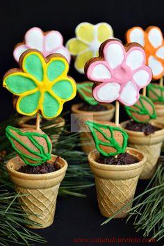 Cum facem un ghiveci cu flori din turta dulce? | CAIETUL CU RETETE Kids Meals, Good Food, Fun Food, Planter Pots, Xmas, Easter, Sweets, Candy, Plating