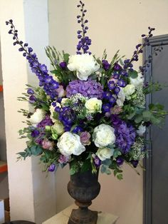 Wedding flowers Purple Flower Arrangements, Funeral Floral Arrangements, Floral Bouquets, Alter Flowers, Silk Flowers, Deco Floral, Arte Floral, Ikebana, Funeral Flowers
