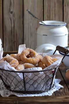 Yerbabuena en la cocina: Rosquillas abizcochadas Authentic Mexican Recipes, Mexican Food Recipes, Sweet Recipes, Dessert Recipes, Desserts, Yummy Treats, Yummy Food, Brunch, Spanish Food