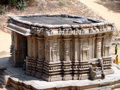 Talakad Kirthi Narayana Temple.