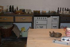 Kücke im Industriestyl Design by Sachensucherei Metal Furniture, Wood And Metal, Industrial Style, Corner Desk, Design, Home Decor, Homes, Corner Table, Decoration Home