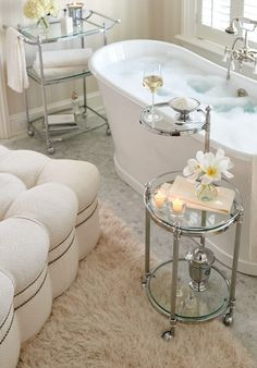 white home accessories Frontgate loves bubble baths. When I see these new houses built with showers only Im amazed. Nothing more relaxing then a long soak with my favorite foaming bath salts. Home Luxury, Luxury Decor, Luxury Bath, Bed And Breakfast, Spas, Bathtub Tray, Bathtub Decor, Luxury Candles, Deco Design