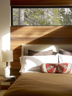 Love the wood slats behind the headboard!