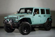 Tiffany Blue jeep, yes please!!