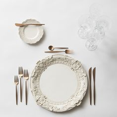 Antique White Verona Charger + Moon Flatware in Rose Gold + Czech Crystal Stemware | Casa de Perrin Design Presentation