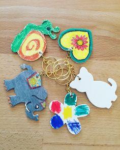 Schlüsselanhänger selbst bemalt als nette Geschenksidee für Omas und Opas (oder auch Mamas und Papas 😄🤗) Grandma And Grandpa, Mom And Dad, Sun, Gifts