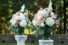 With flowers such as roses, delphinium, stock, hydrangea and dahlia.