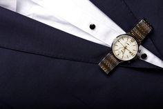 Ohúrte svoje kolegyne či spolužiačky s novými hodinkami od Lumir. #lumir #lumirwatch #watch #watches #hodinky #hodinkylumir #lumirhodinky #men #menwatch #fashion #classy #slovakia #suit