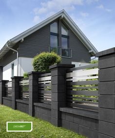 53 The Best Fence Design Ideas That You Can Try in - Amenagement Jardin Recup House Fence Design, Modern Fence Design, Garden Design, Modern Gates, Compound Wall Design, Privacy Fence Designs, Front Yard Fence, Backyard Fences, House Front