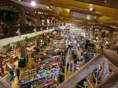 The most visited tourist attraction in Missouri is a retail store! Australian Bass, Tennessee Valley Authority, Bass Pro Shop, What To Do Today, Bass Boat, Finders Keepers, Fishing Equipment, Bass Fishing, Fishing