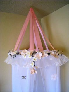 Great idea to make a canopy bed without the expensive hardware.