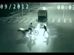 Amazing Woman With Super Speed and Teleporting Powers Caught on Surveillance Camera