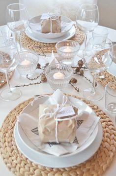 Gebruik kleine cadeautjes om de tafelschikking aan te geven
