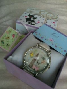 Korean style.. Cute and nice watch!! Love it!
