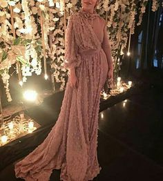Hijab Evening Dress Model 2019 – Best Of Likes Share Hijab Outfit, Hijab Prom Dress, Hijab Gown, Hijab Evening Dress, Hijab Wedding Dresses, Muslim Dress, Modest Dresses, Trendy Dresses, Party Dresses
