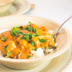 Delicious Indian butter chicken that's easy enough for a week night! So creamy and rich! Chicken Over Rice, Indian Butter Chicken, Food Now, Indian Food Recipes, Ethnic Recipes, Garam Masala, Chicken Recipes, Curry, Favorite Recipes