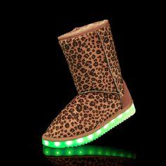 2017Light up woman snow boots Glow the winter snow boots dames schoenen LED shoes warm light