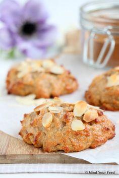 Kwarkbolletjes met speculaaskruiden - Mind Your Feed Healthy Pastry Recipe, Healthy Dessert Recipes, Healthy Treats, Healthy Baking, Low Carb Recipes, Baking Recipes, Cookie Recipes, Healthy Food, Baking Ideas