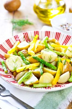 10 healthy vinaigrettes for your salads – lose weight at home Chimichurri, Lose Weight At Home, Menu Restaurant, Fruit Salad, Pasta Salad, Potato Salad, Salads, Food And Drink, Tasty