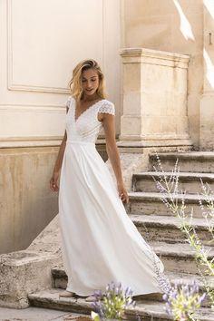 Robe Matthew Marie Laporte, Wedding Dresses, Fashion, Sleeved Wedding Dresses, Dress Ideas, Marriage Dress, Curve Dresses, Bride Dresses, Moda
