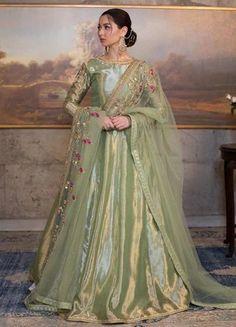 Pakistani Fashion Party Wear, Pakistani Wedding Outfits, Indian Bridal Fashion, Pakistani Bridal Dresses, Indian Fashion Dresses, Pakistani Dress Design, Bridal Outfits, Indian Outfits, Indian Gowns