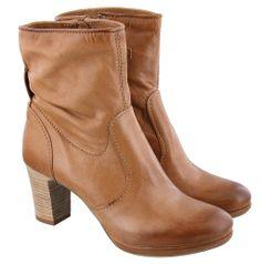 MJUS | Korte laarzen | 195.205 uni cognac sugero 315 | Bruin http://www.dungelmann-schoenen.nl/collectie/damesschoenen/korte-laarzen/19396_bruin_mjus_195-205.html