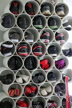 DIY Closet Organization DIY shoe rack made from inexpensive PVC pipe from cookie loves milk. Pvc Shoe Racks, Diy Shoe Rack, Pvc Projects, Home Projects, Dollar Store Crafts, Dollar Stores, Diy Shoe Storage, Storage Ideas, Storage Rack
