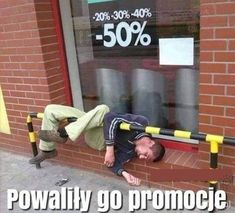 Powaliły go promocje Funny Images, Funny Pictures, Weekend Humor, Some Quotes, Wtf Funny, Satire, Best Memes, Funny Quotes, Geek Stuff