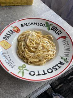 einfaches und schnelles Rezept Spaghetti, Pasta, Ethnic Recipes, Food, Fast Recipes, Easy Meals, Food Food, Essen, Meals
