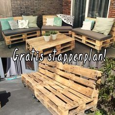 Home Decorating Style 2016 for Pallet Bank Euro Pallet – Truss Industry Arts, you can see Pallet Bank Euro Pallet – Truss Industry Arts and more pictures for Home Interior Designing 2016 119661 at huis ontwerp ideeen. Pallet Lounge, Diy Pallet Sofa, Diy Pallet Furniture, Diy Pallet Projects, Pallet Ideas, Pallet Dining Table, Diy Outdoor Table, Pallet Wall Shelves, Wooden Pallets