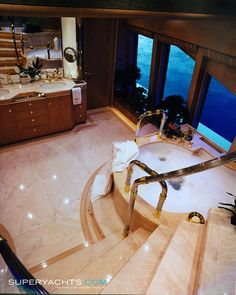Double Haven Luxury Motor Yacht by Feadship Yacht Luxury, Luxury Yacht Interior, Luxury Homes, Utility Boat, Luxury Sports Cars, Yacht Design, Yacht Boat, Power Boats, Speed Boats