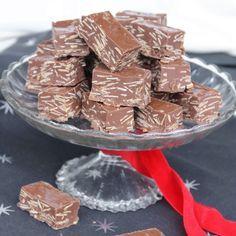 Ljuvliga nougat & chokladbitar med rostade mandelspån. Mycket godare än de man köper!