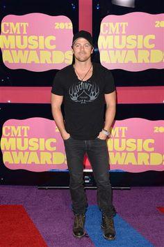 2012 CMT Music Awards - Kip Moore