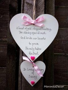 Wooden Hearts Crafts, Heart Crafts, Memorial Ornaments, Memorial Plaques, Funeral Memorial, Angels In Heaven, Wooden Plaques, Wooden Gifts, Clothes Crafts