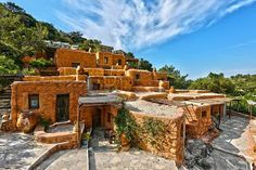 Aspros Potamos in Crete travels you back in time